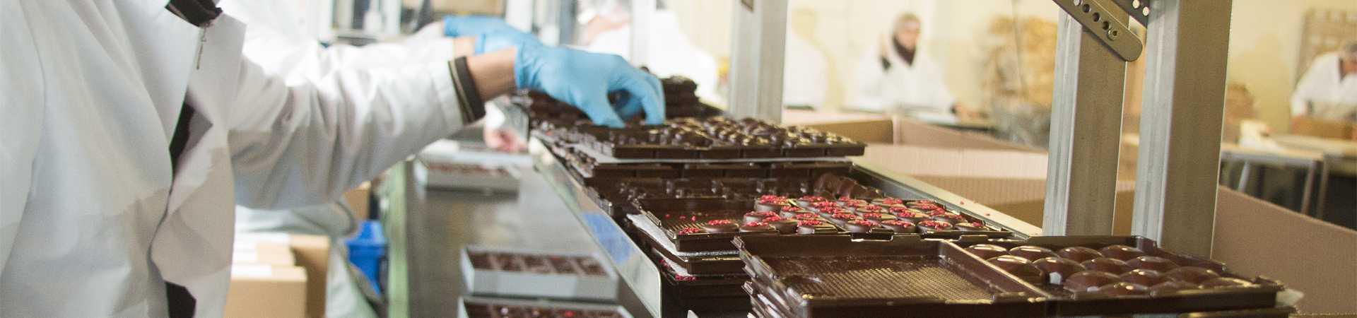 verpakken voeding bij maatwerkbedrijf AMAB