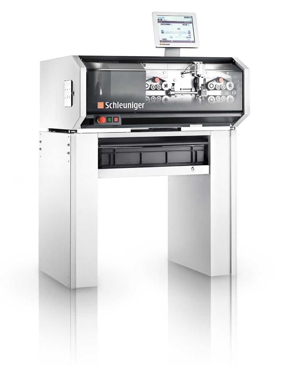 Nieuwe draadsnijmachine elektro montage afdeling maatwerkbedrijf AMAB
